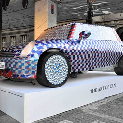 Red Bull Art of Can – BMW Mini herní zóna - Foto č. 1